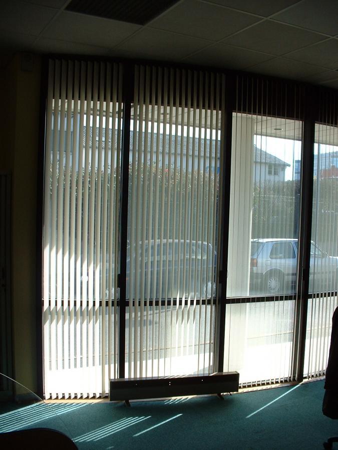 store bandes verticales pr s de clermont ferrand puy de d me 63. Black Bedroom Furniture Sets. Home Design Ideas